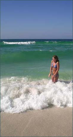 Weeeee Panama City Beach blue green gulf and powder soft sands.